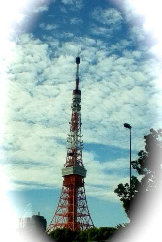 帰り道で見た東京タワーと晴れた空.jpg